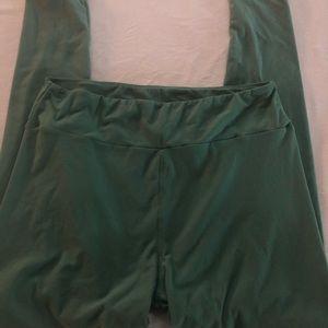 Long curvy leggings.  Green.  Lularoe